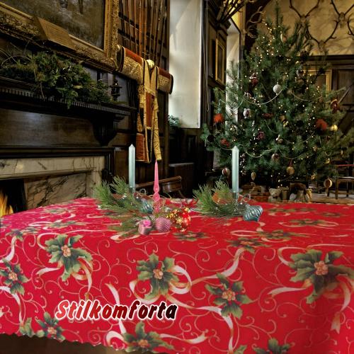 Новогодняя скатерть красная Остролист