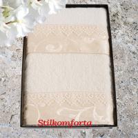 Набор махровых полотенец в подарочной коробке Мари